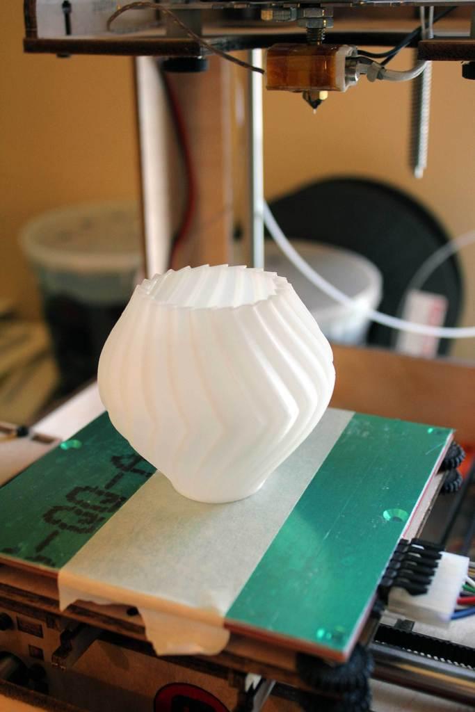 BuzzVase-TOM_display_large.jpg Download free STL file Buzzsaw Vases • Model to 3D print, Revalia6D