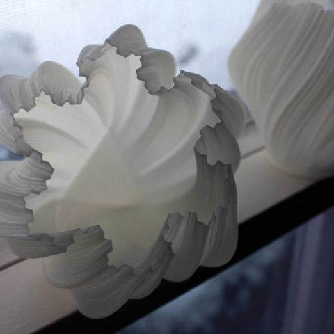 tribase_display_large.jpg Download free STL file Yet More Twisting Kochflake Vases • 3D printing template, Revalia6D