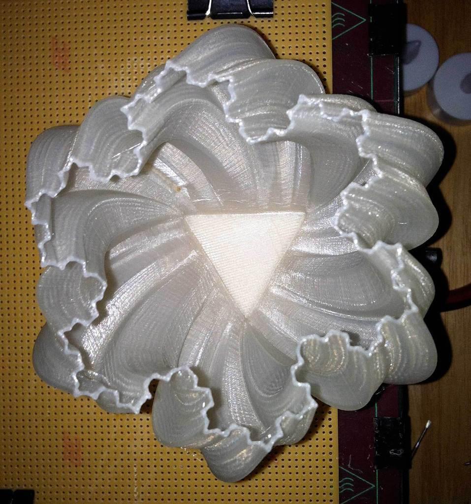 tribase3_display_large.jpg Download free STL file Yet More Twisting Kochflake Vases • 3D printing template, Revalia6D
