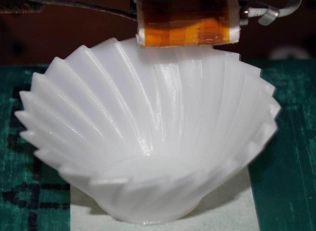 BuzzVase-printing-on-TOM_display_large.jpg Download free STL file Buzzsaw Vases • Model to 3D print, Revalia6D