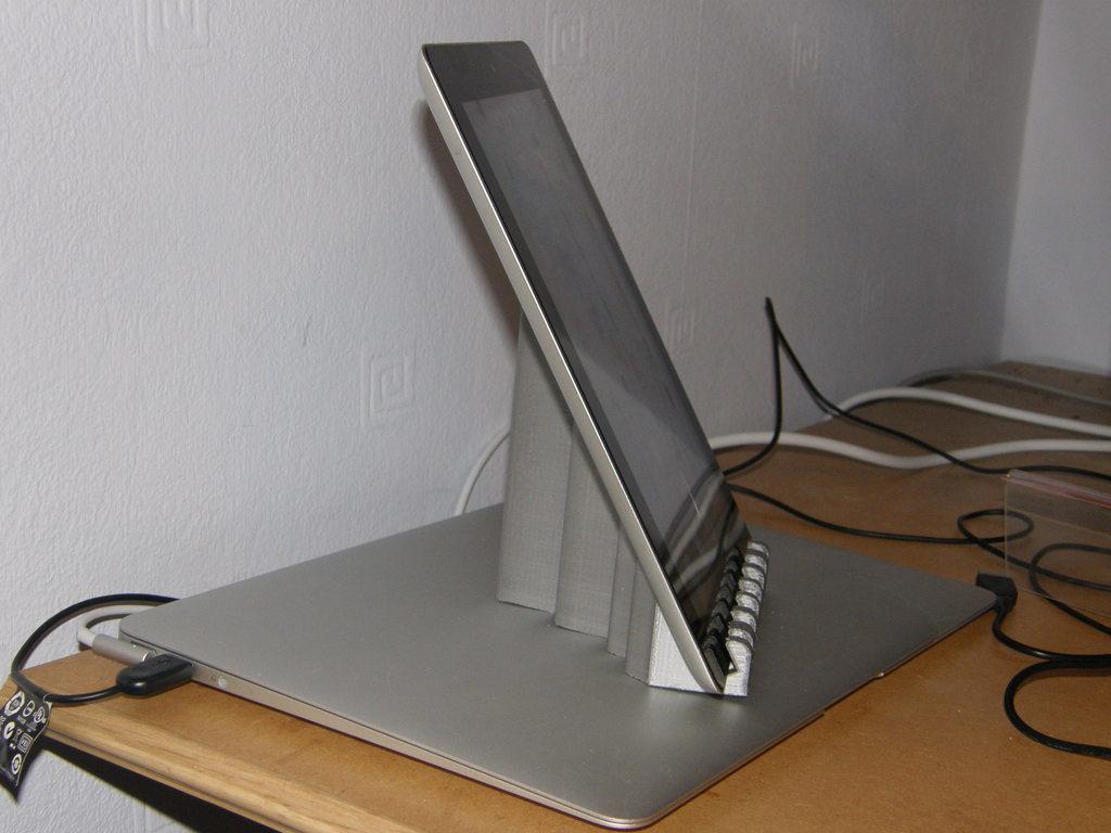 P1140090_display_large.jpg Télécharger fichier STL gratuit Support pour iPad CoolWave 2 • Modèle à imprimer en 3D, Darkolas