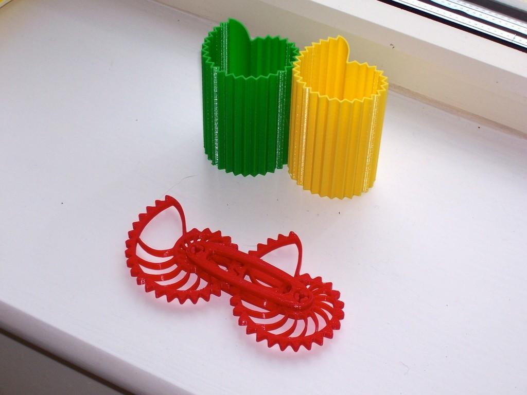 NGV01_display_large.jpg Download free STL file Nautilus Gear Vases • Template to 3D print, Darkolas