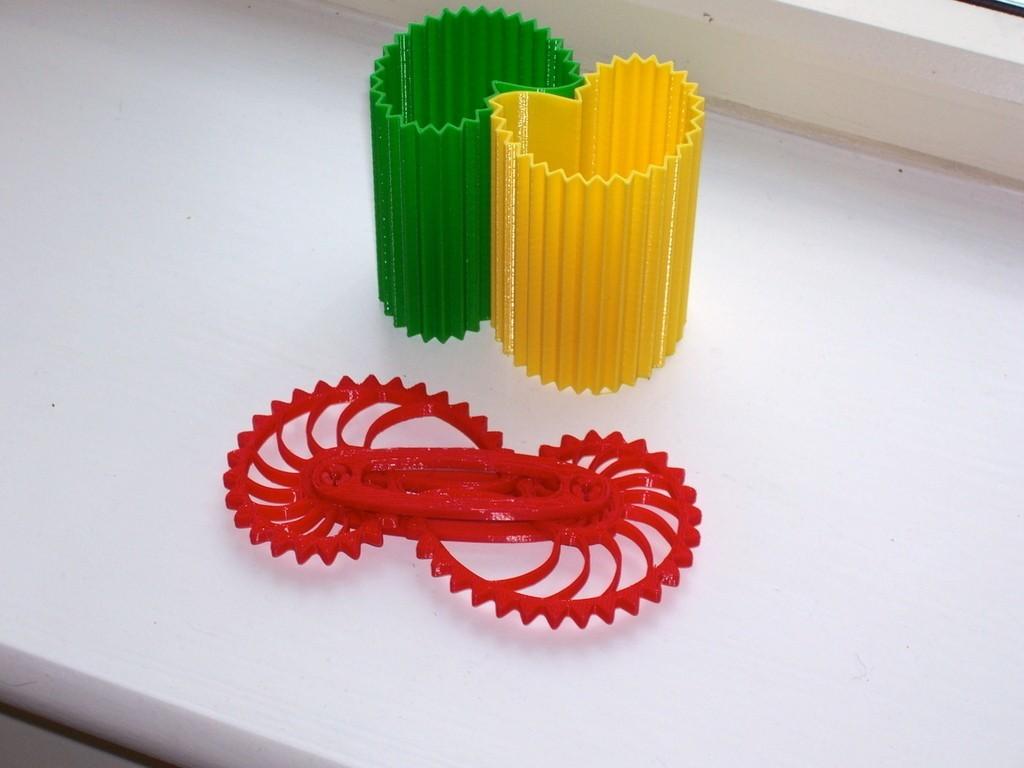 NGV02_display_large.jpg Download free STL file Nautilus Gear Vases • Template to 3D print, Darkolas