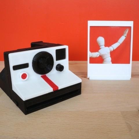 Download free STL Minature Polaroid Camera with Instagram Picture Frame, Runstone