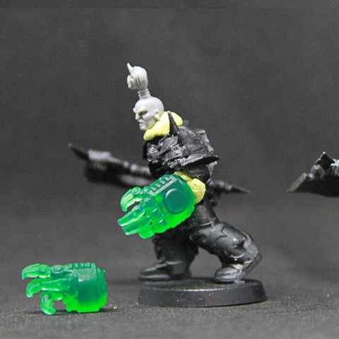 Free 3D printer files Ork warboss hand (suitable for Space Marines), SimonAublet