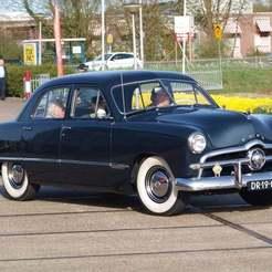1949_Ford_custom_300_pic3.jpg Télécharger fichier STL gratuit Ford Custom Sedan (4 et 2 portes) 1949 • Design pour imprimante 3D, Louisdioramas