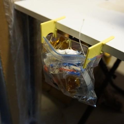Télécharger fichier imprimante 3D gratuit Attaches pour sacs poubelles de table V2, Balkhnarb