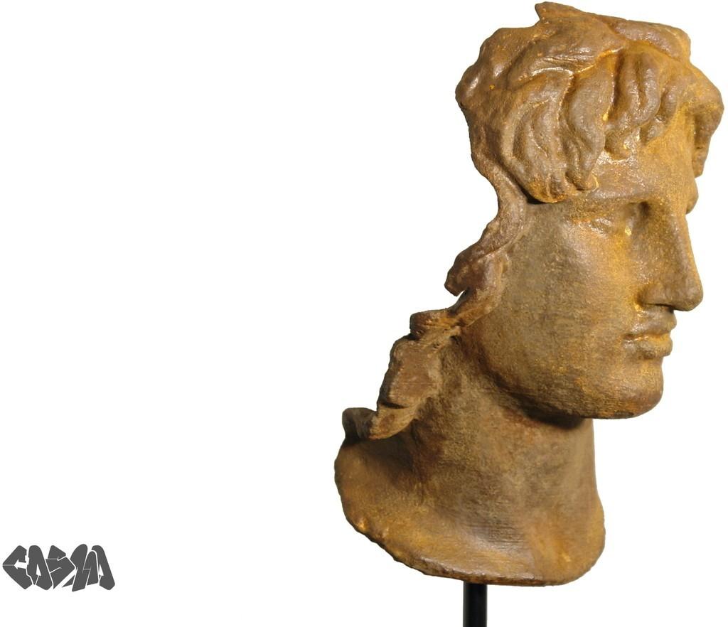 Alexander_the_Great_1945_Wrecked_Iron_display_large.jpg Télécharger fichier STL gratuit Portrait d'Alexandre le Grand • Modèle pour imprimante 3D, Ghashgar
