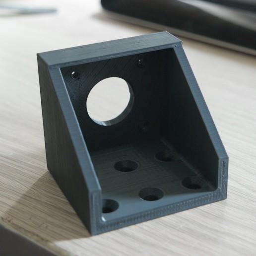 Télécharger fichier STL gratuit nema 17 support 90° V-slot 2060 centré [MISE À JOUR] • Objet à imprimer en 3D, vingautmobile