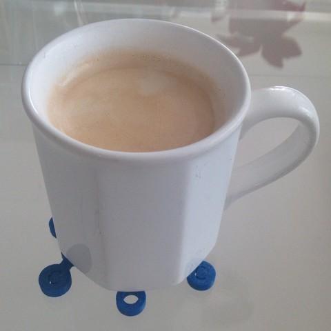 15_-_1_display_large.jpg Télécharger fichier STL gratuit Voici la molécule de caféine, vous pouvez l'utiliser comme set de table pour une tasse à café. • Plan pour impression 3D, Tramgonce