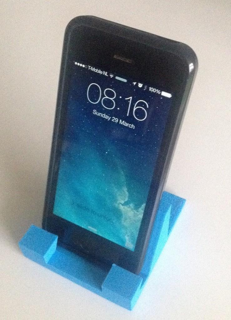 iphone_stand__v4_with_my_phone_display_large.jpg Télécharger fichier STL gratuit supports iphone • Modèle à imprimer en 3D, Tramgonce