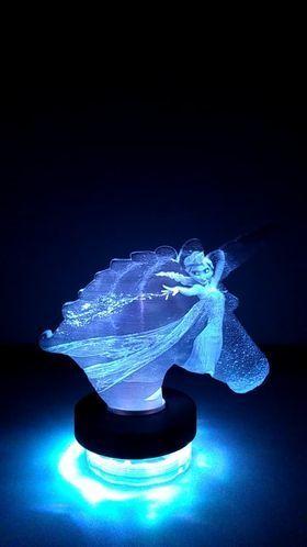 127722785_3227786830677308_6475061102054727153_n.jpg Download STL file Lithophane lamp unicorn / snow queen (Frozen) • 3D printable template, BD3d