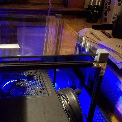 IMG_20180106_184236_701.jpg Télécharger fichier STL gratuit Coin de table en verre MakerBeam • Design imprimable en 3D, kotzas