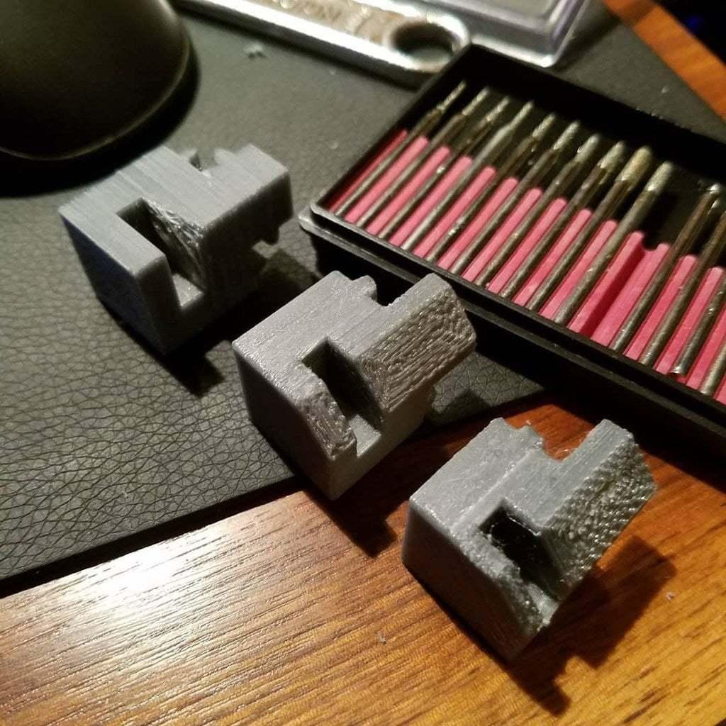 IMG_20180106_184236_702.jpg Télécharger fichier STL gratuit Coin de table en verre MakerBeam • Design imprimable en 3D, kotzas
