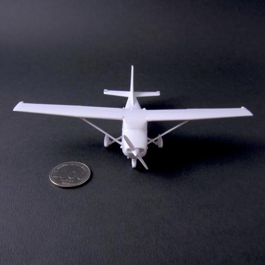 3 cessna 172 skyhawk - pla - finished 2 - IMG_2367 copy.jpg Download free STL file Cessna 172 Skyhawk 1:72 • 3D print design, heri__suprapto