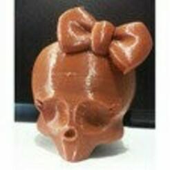 terzsfderqeqdw_thumb.jpg Download free STL file Cool skull girl key chain • Template to 3D print, samanbahari1990