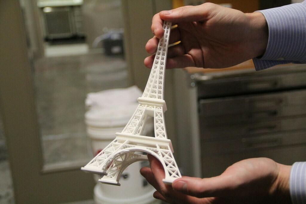 eiffeltower_display_large.jpg Télécharger fichier STL gratuit tour Eiffel • Design pour imprimante 3D, Palemar