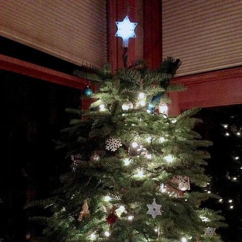 treetopstar2_display_large.jpg Télécharger fichier STL gratuit Tree Topper - Étoile de David illuminée • Objet pour impression 3D, Cilshell