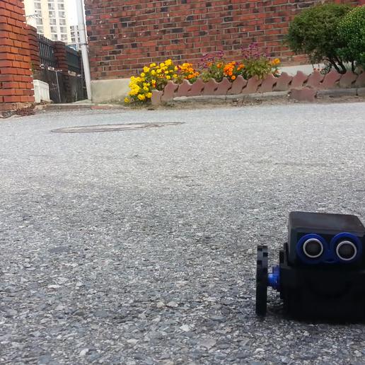 2부_리틀보이.mp4_000018051.png Download free STL file How to make a little robot controlled by smartphone • 3D printer design, speedkornet