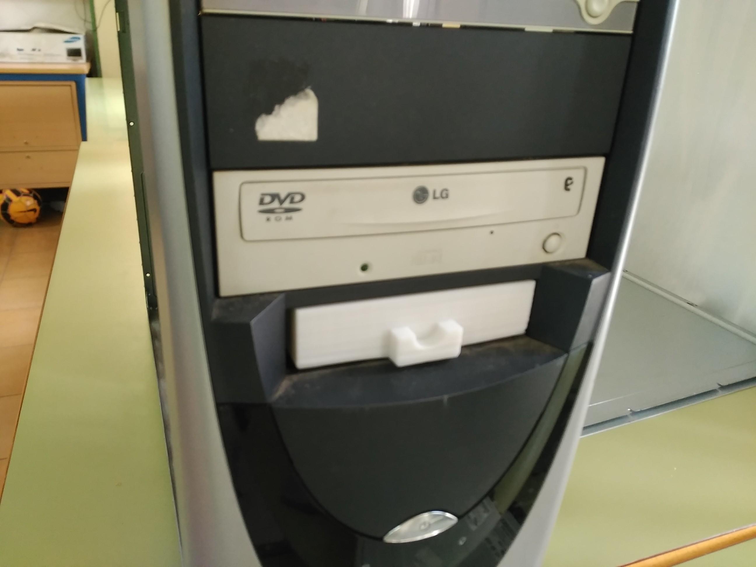 Img1.jpg Télécharger fichier STL gratuit Tiroir à disquette 3 1/2 • Plan pour imprimante 3D, jolucomo