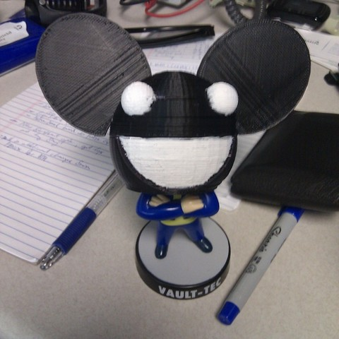 6913830603_84f9983956_b_display_large_display_large.jpg Download free STL file Deadmau5 Bobblehead • 3D printable object, Morcelkin