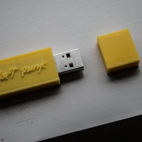 115_display_large.jpg Télécharger fichier STL gratuit Boîtier USB Daft Punk • Objet pour imprimante 3D, Morcelkin