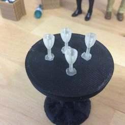 IMG_0090.jpg Télécharger fichier STL gratuit Champagne Glass (1:18 scale) • Plan à imprimer en 3D, zanzas_toys