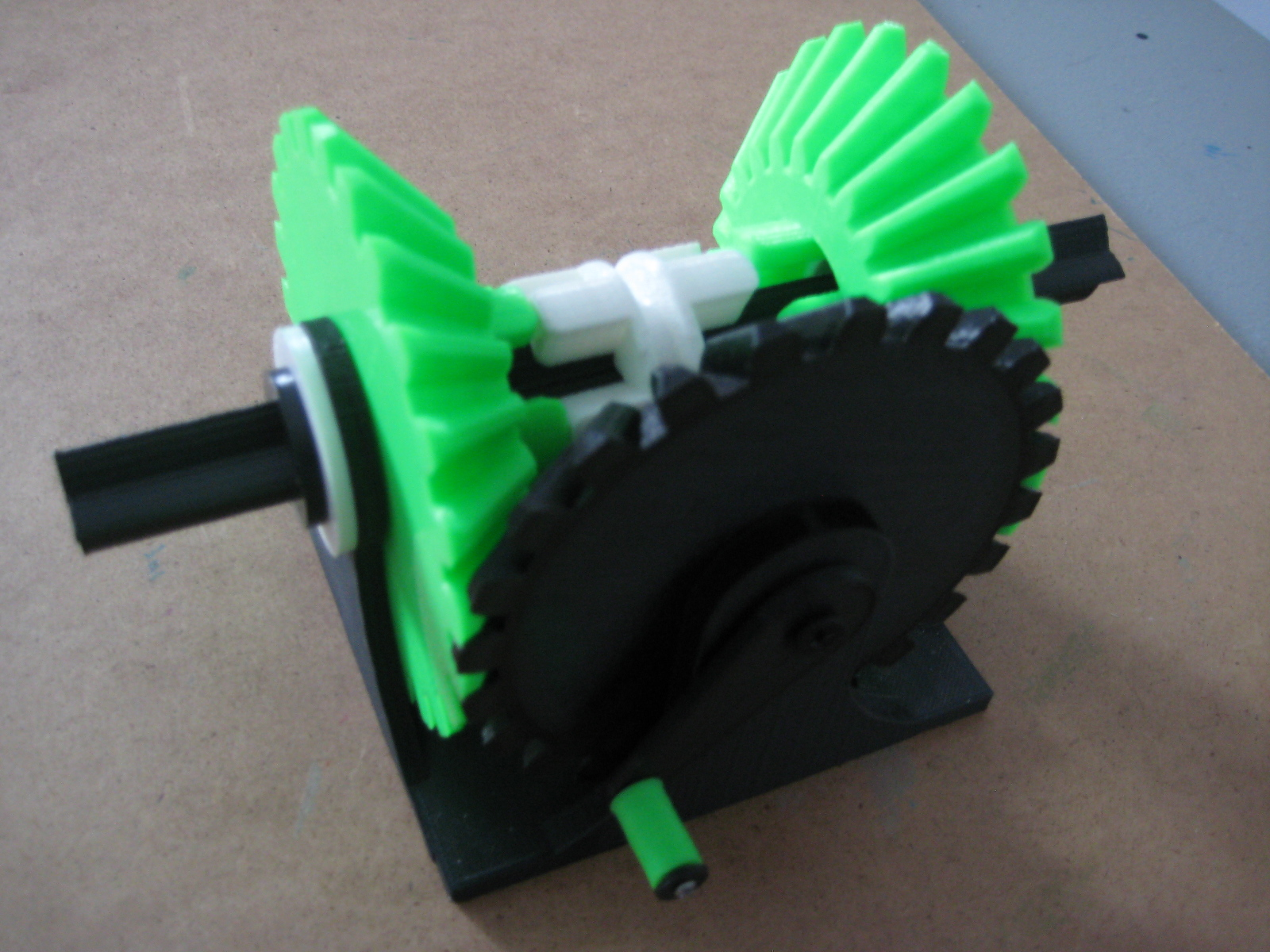 IMG_1248.JPG Télécharger fichier STL gratuit Transmission à engrenages coniques • Modèle à imprimer en 3D, matthewdwulff