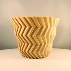 """IMG_20200816_211543_157.jpg Download STL file ZigZag succulent planter, """"Vase Mode"""" print • 3D print design, Slimprint"""