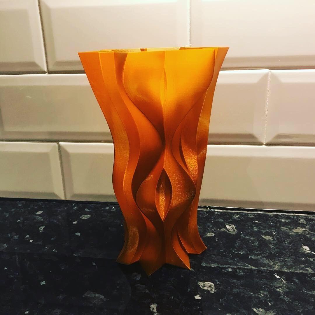 D55B2960-2B52-47B0-A375-2751A8E9B976.JPG Télécharger fichier STL gratuit Vase tranchant • Modèle imprimable en 3D, Brithawkes