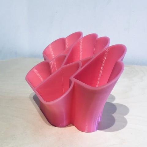 IMG_6080.jpg Télécharger fichier STL gratuit Coeur de bureau en ordre • Plan imprimable en 3D, Brithawkes