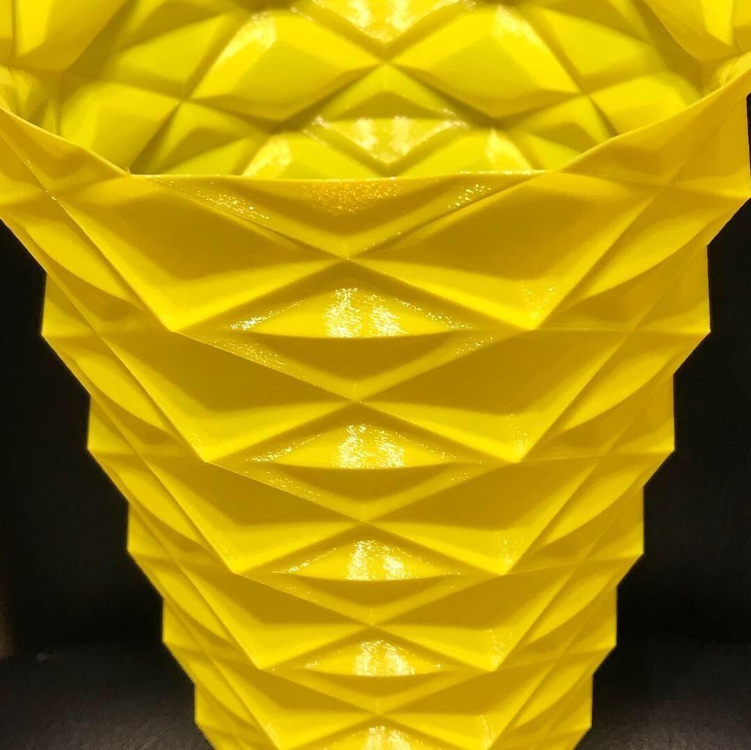 8F12571E-A0F0-460E-BEAB-095846D53E97.JPG Download free STL file Zigzag vase v2 • 3D printable model, Brithawkes