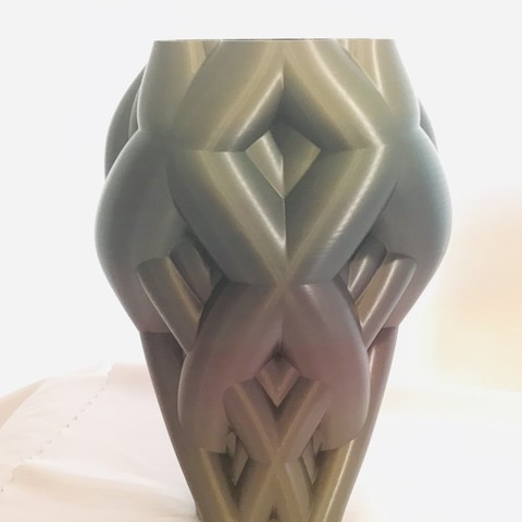 Download 3D print files Knotted vine vase, Brithawkes