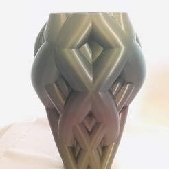 IMG_5350.jpg Download STL file Knotted vine vase • 3D printable object, Brithawkes