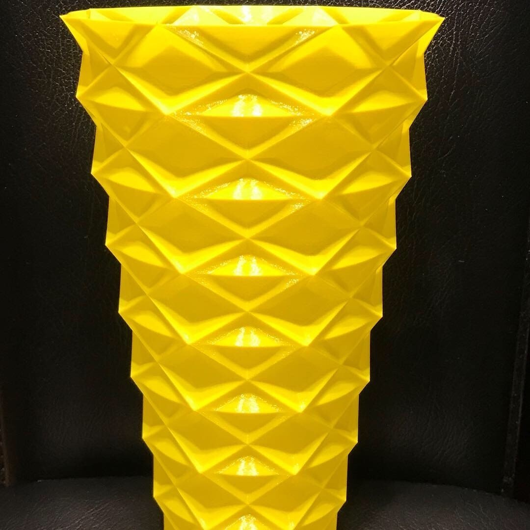 508CC7FD-347E-4DCC-915A-00C20CA41C9E.JPG Download free STL file Zigzag vase v2 • 3D printable model, Brithawkes