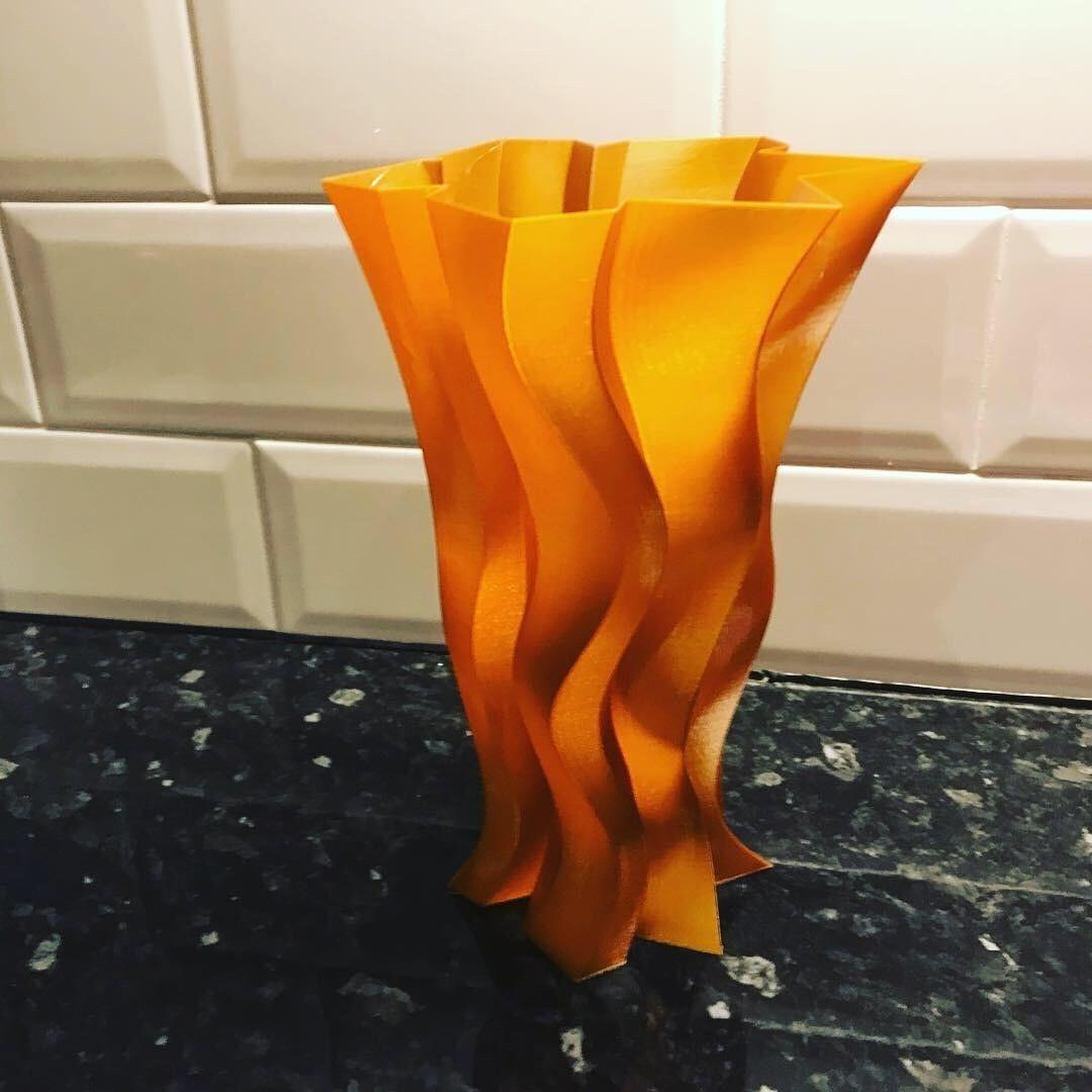 3D51F7F6-EAA9-4971-A7AD-3C67A8EAE20E.JPG Télécharger fichier STL gratuit Vase tranchant • Modèle imprimable en 3D, Brithawkes