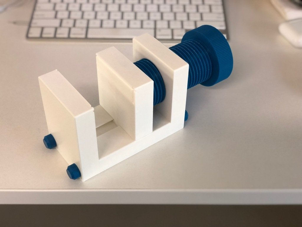 ddddd27c4839c82d4d647c2f948e78eb_display_large.jpg Download free STL file Yet Another Vice/Clamp • 3D printing model, mkoistinen