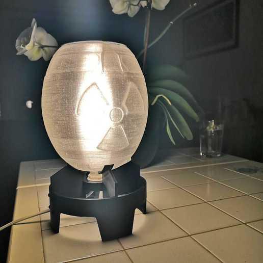 Télécharger fichier STL gratuit Mini lampe nucléaire de Fallout (pour ampoule E14) • Objet à imprimer en 3D, Sheeloo