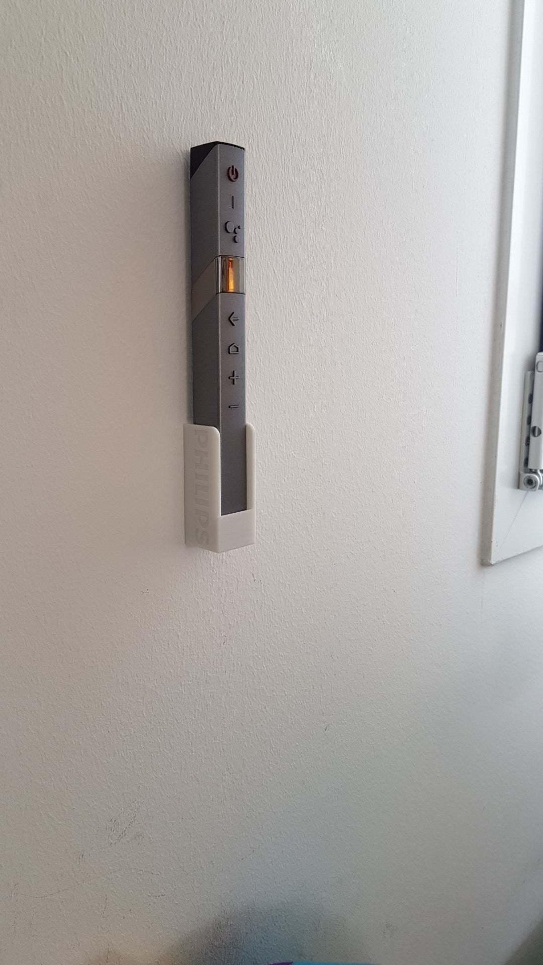 20200814_133152_Grand.jpg Télécharger fichier STL gratuit Support mural à distance pour bâton Philips OLED 804 • Modèle à imprimer en 3D, yvrogne59