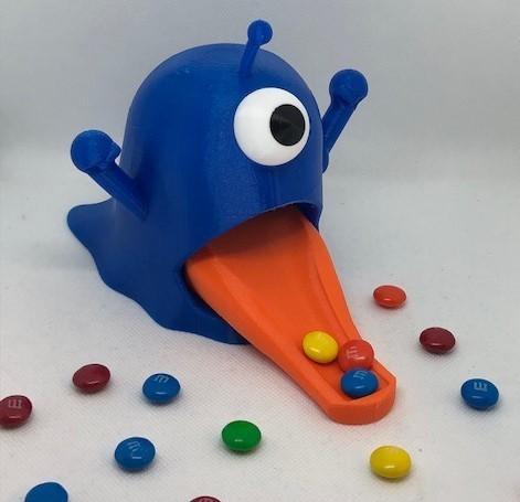Blue alien.jpg Télécharger fichier STL Distributeur de bonbons pour étrangers • Plan pour impression 3D, 3DWinnipeg
