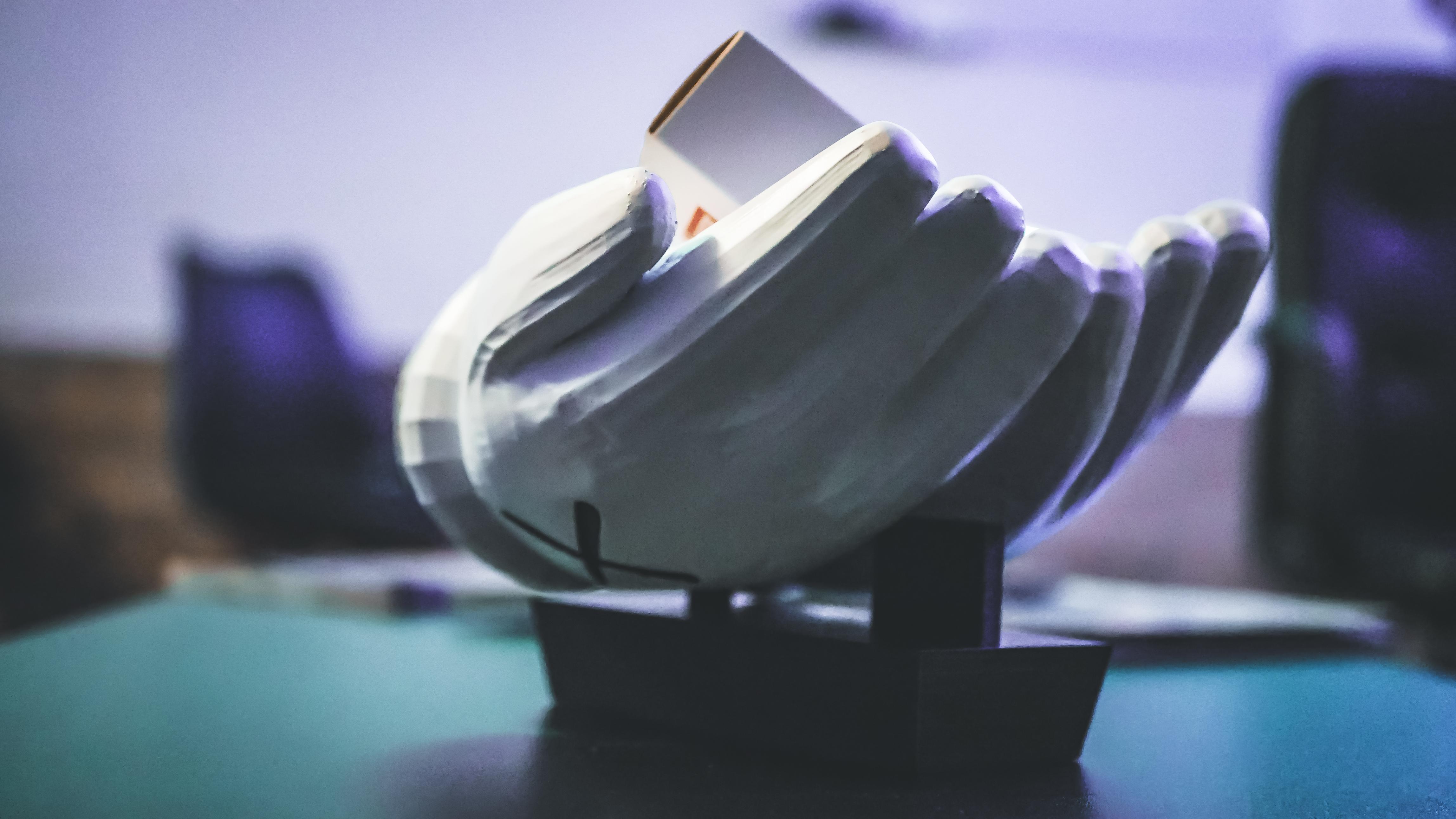 """mani3.jpg Télécharger fichier STL Mains KAWS """"Pocket emptier"""" • Objet imprimable en 3D, FRANCESCOPION"""