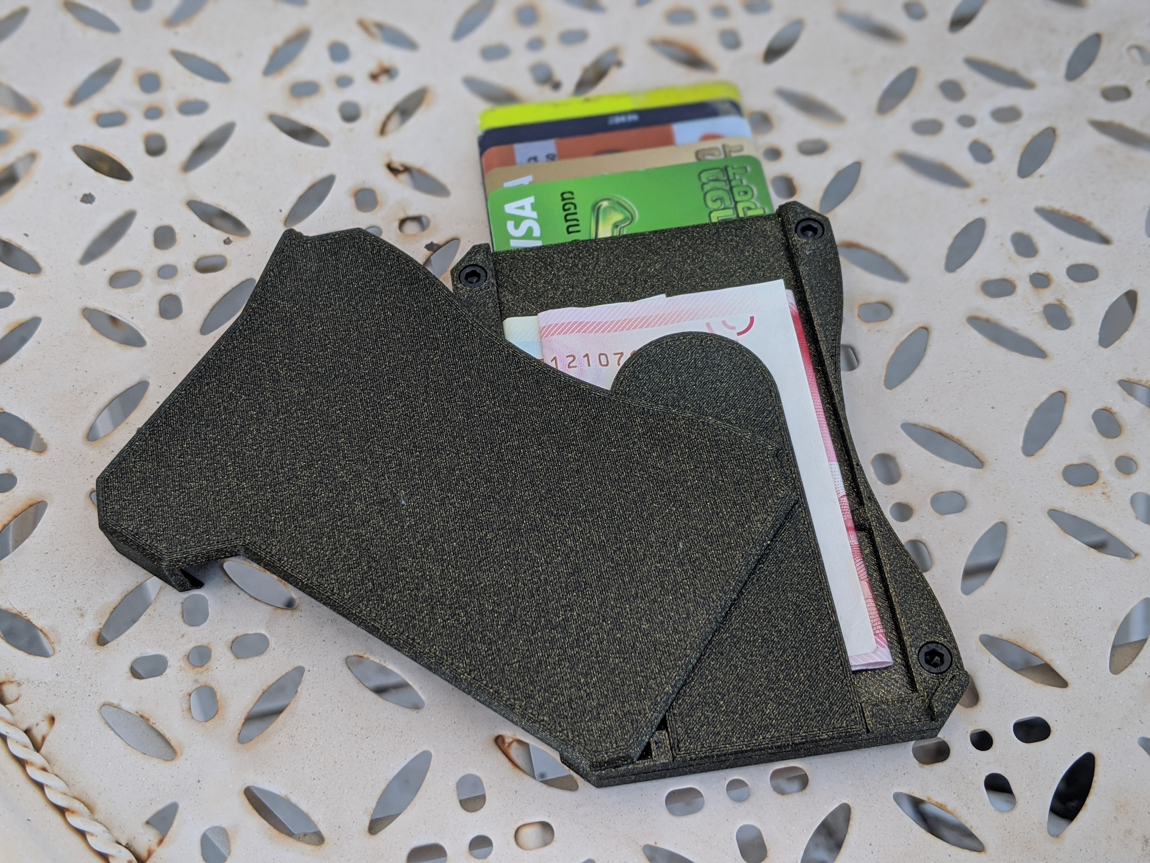 "00100dPORTRAIT_00100_BURST20201004155052497_COVER.jpg Download free STL file 3D Printed ""Smart"" Wallet (Updated for M3 Bolts) • 3D printer object, brunogalam"