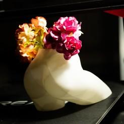 preview21.jpg Télécharger fichier STL Vase à fleurs torse féminin Planter en 3D • Objet pour imprimante 3D, gafeel