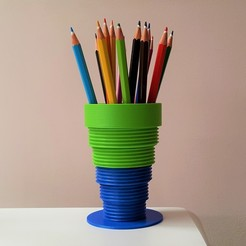 Download free STL Threaded cup/vase, DK7