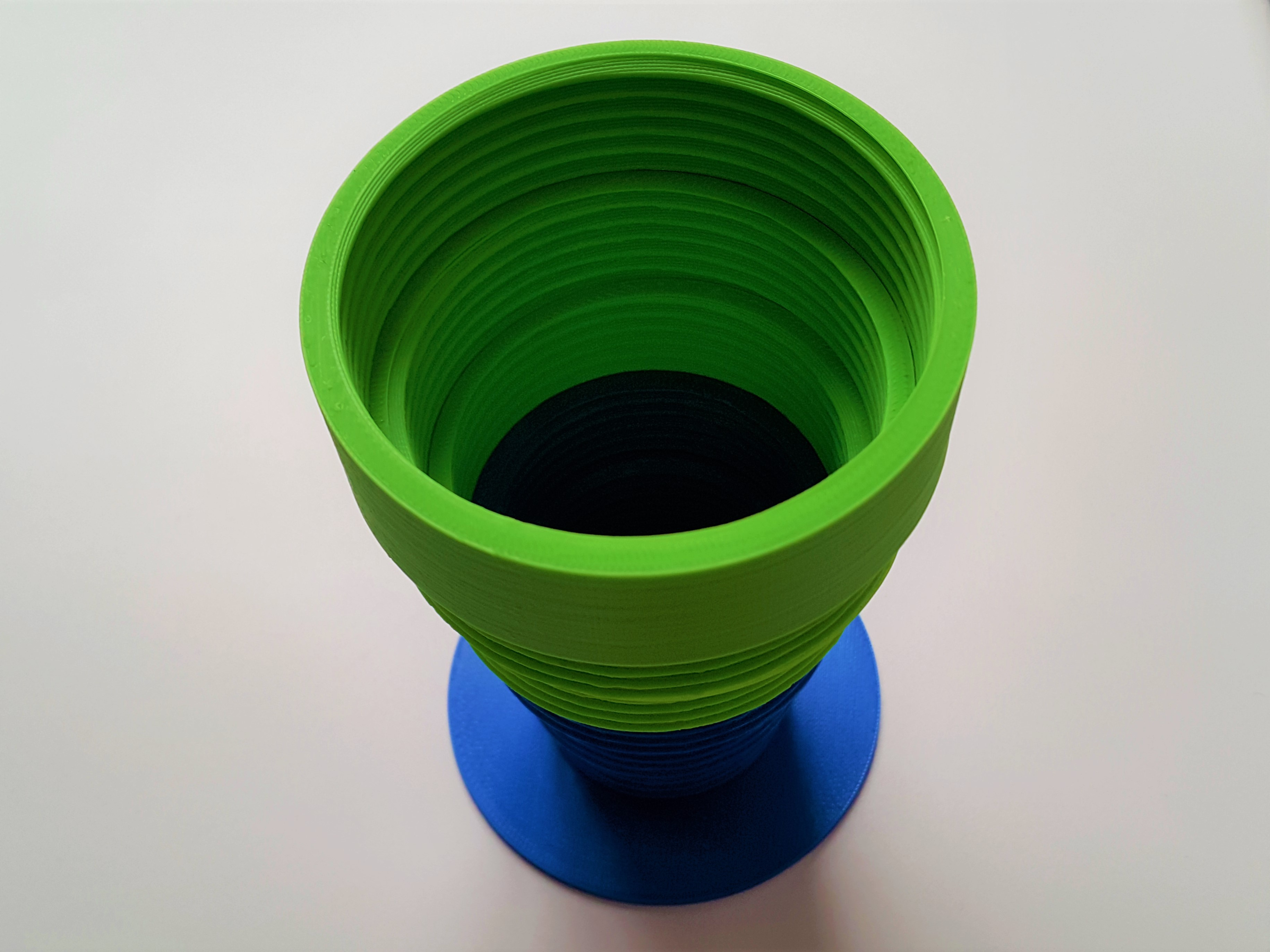 2.jpg Download free STL file Threaded cup/vase • Object to 3D print, DK7