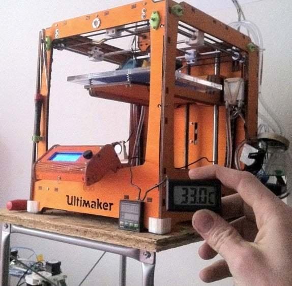 Bildschirmfoto_2014-04-03_um_18.49.00.jpg Télécharger fichier STL gratuit Ultimakers support de tampons pour refroidisseurs d'eau 1 • Objet à imprimer en 3D, yttrium