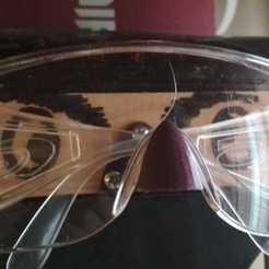 WhatsApp_Image_2020-10-10_at_01.04.07.jpeg Download free STL file Big nose work glasses holder • 3D printing model, latriplec