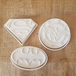 superheroes.jpg Download STL file Superheroes - Batman - Superman - Wonder Woman • 3D printing design, dpacienza