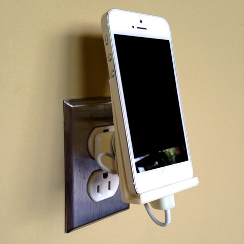 IMG_0117_display_large.jpg Download free STL file iPhone 5 Wall Outlet Dock • Template to 3D print, Steedrick