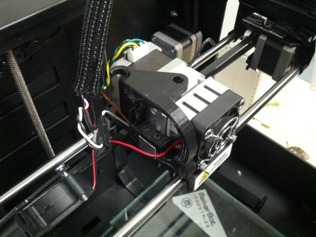 IMG_20130705_162637_display_large.jpg Télécharger fichier STL gratuit Montage sur ventilateur de gaine • Design pour imprimante 3D, AlbertKhan3D